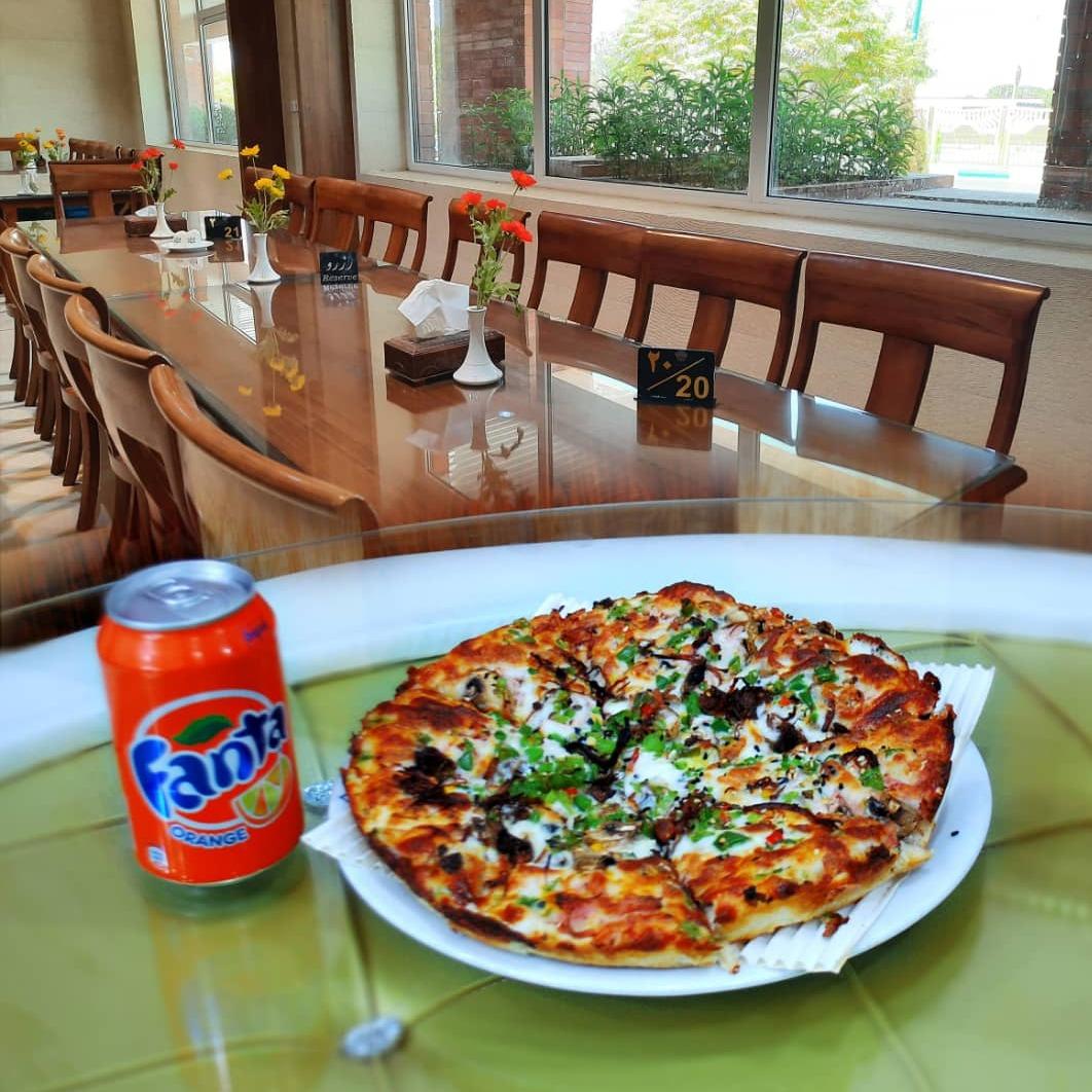 مینی پیتزا رست بیف